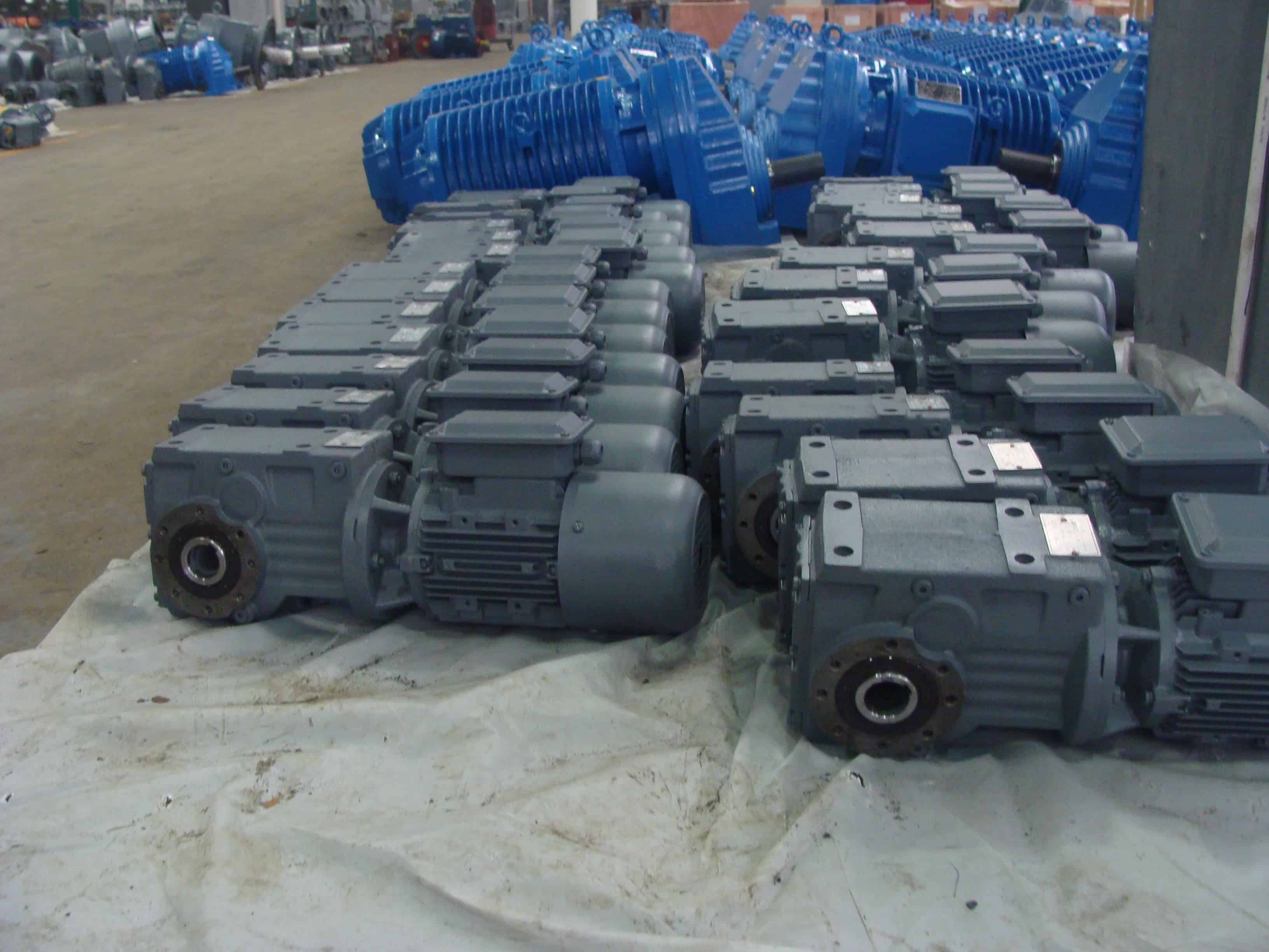 s-series-helical-worm-geared-motor