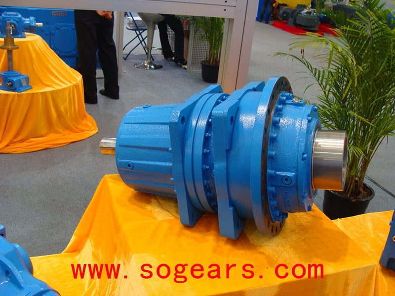 Gearbox for electric winch